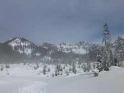 Kendall Peak Lakes Snowshoe